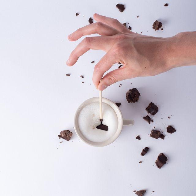 MoMe Chocolate Stick Lifestyle 2